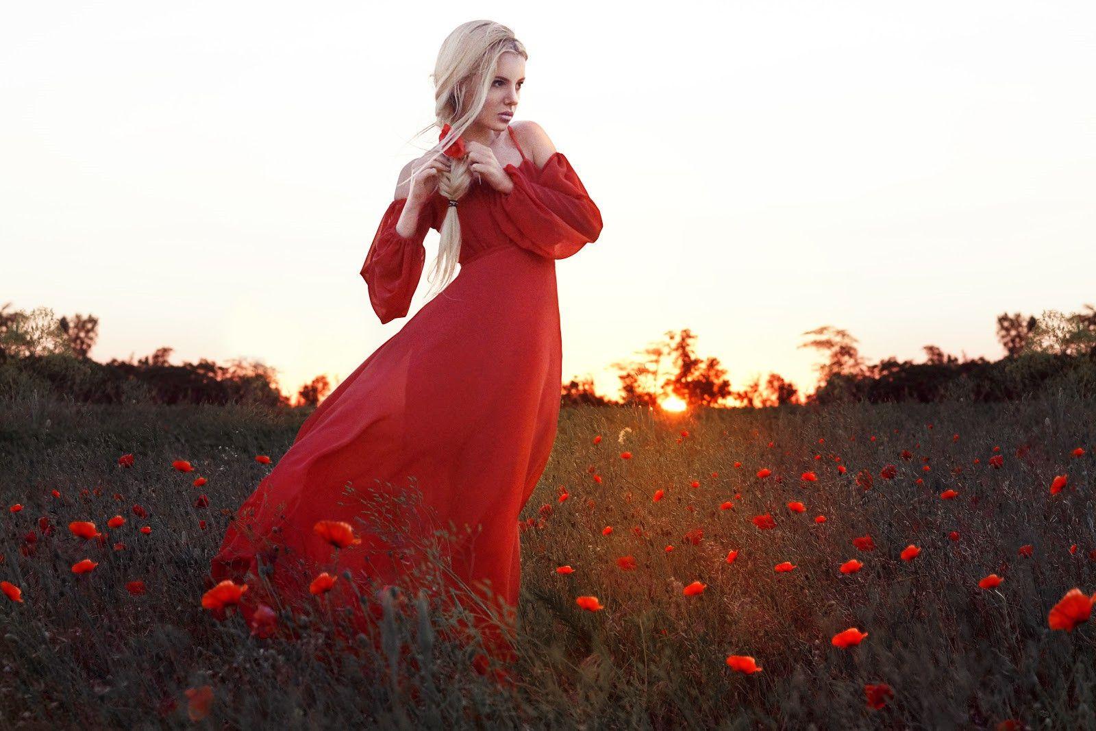 Grace cutout shoulder halter neckline red maxi chiffon dress halter