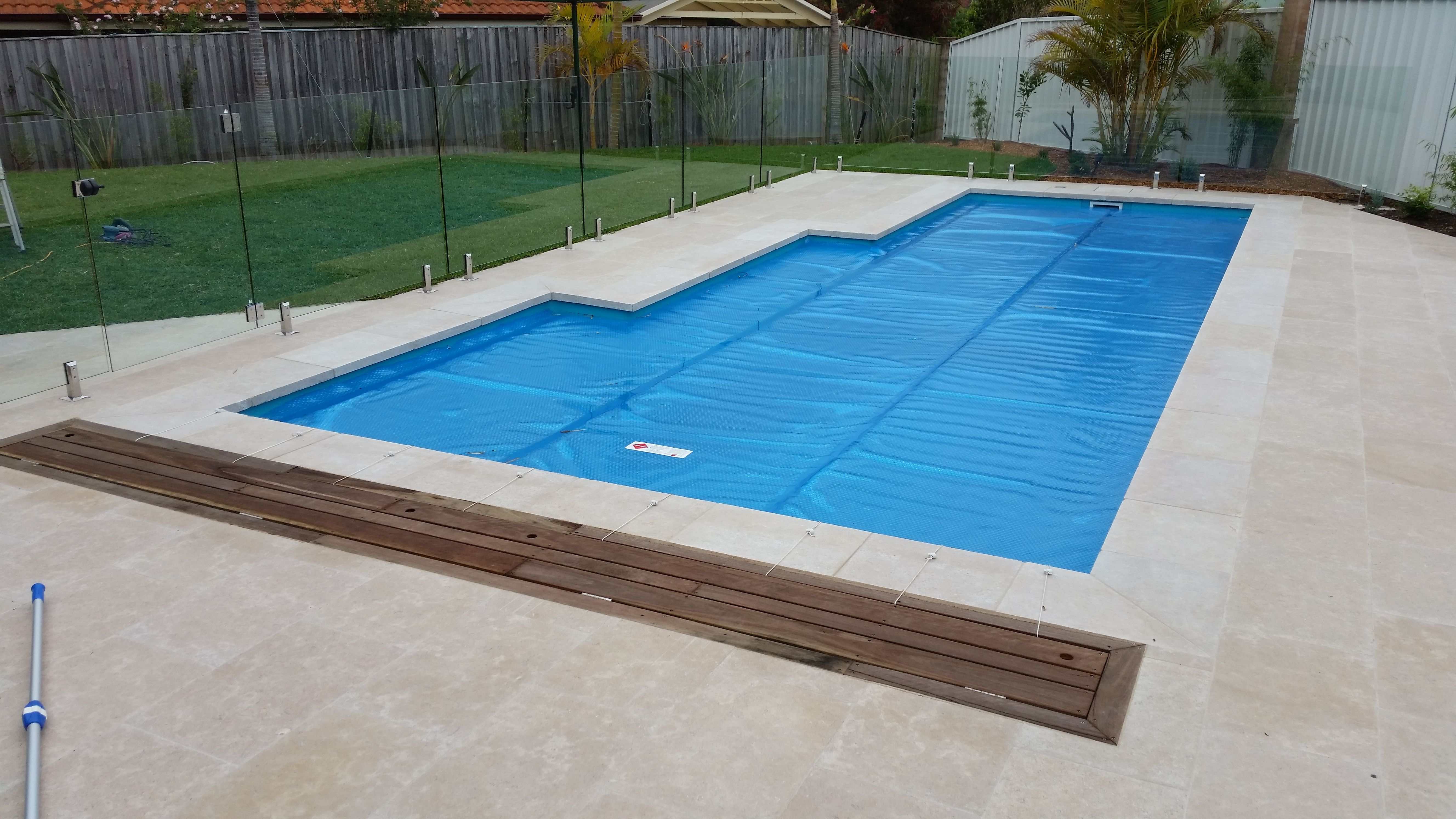 Can you see the pool cover roller? NO, just as it should be! Aussie ...