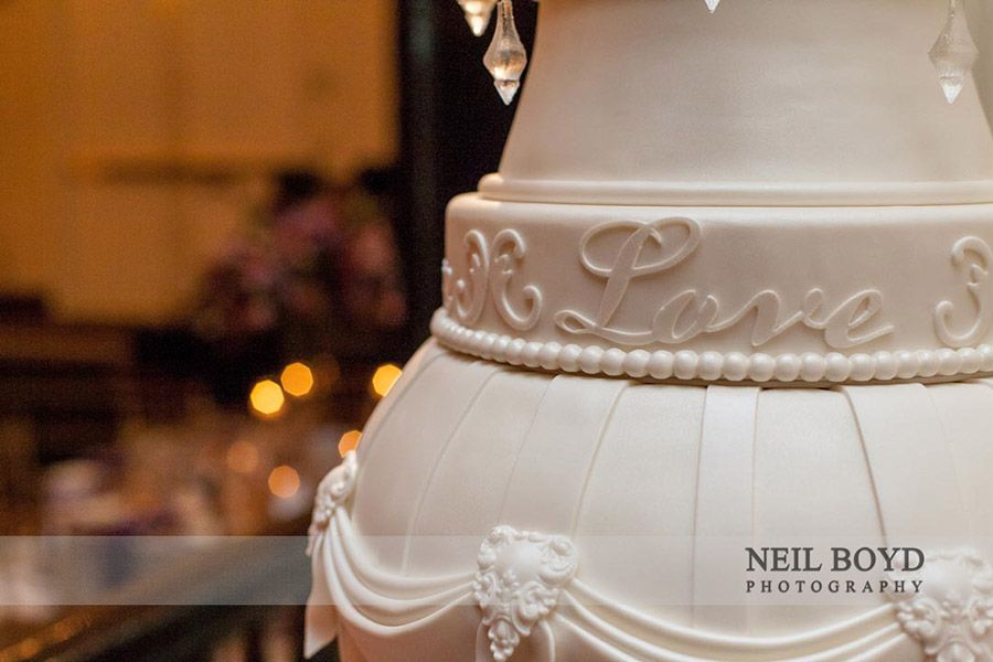 love detail on wedding cake swank ckes in raleigh nc raleigh weddings wedding cake ideas. Black Bedroom Furniture Sets. Home Design Ideas