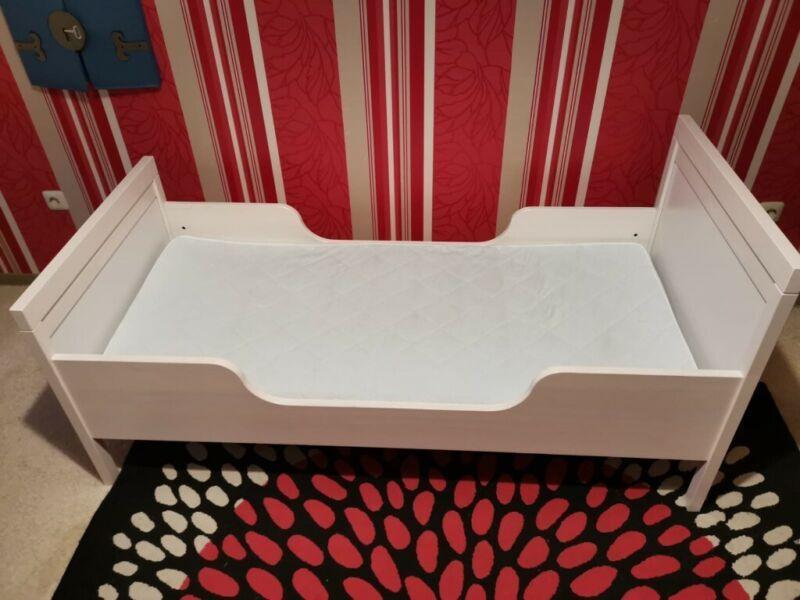 Ich Biete Hier Ein Weisses Kinderbett Holzbett Sundvik Von Ikea