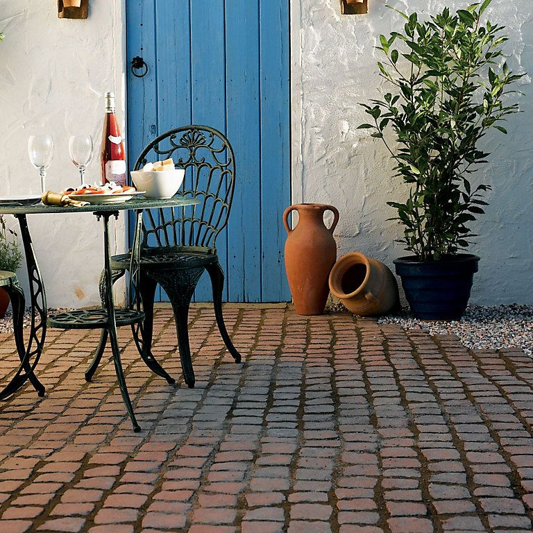 Rustic Red Carpet Stones Cobble Mat Straight 1 2m W 400mm Diy At B Q Carpet Installation Front Garden Garden Design