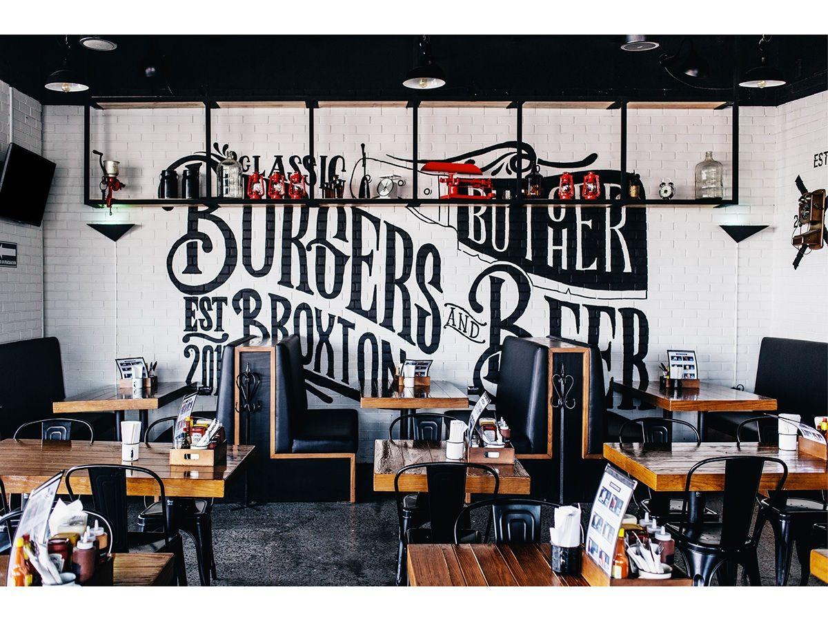Broxton Es Un Restaurante De Hamburguesas Y Cervezas Artesanales  # Muebles El Gigante Saltillo