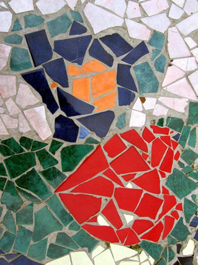 Turn Broken Tiles Into A Mosaic For A Table Top Mosaic Crafts