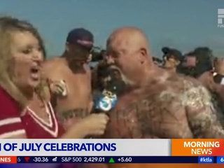 Hurlement d'une journaliste aspergée de Bière en direct à la TV !