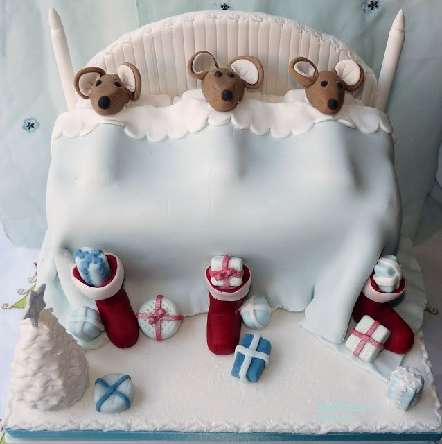 Twas The Night Before Christmas Mouse Cake In Pastel Colours