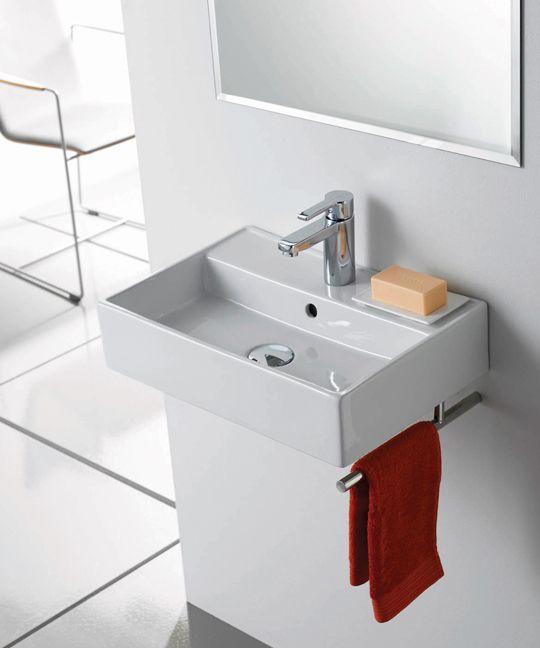 Bauhaus Turin TR0017BC Straight Towel Rail - 330mm £20 Client - badezimmer bauhaus