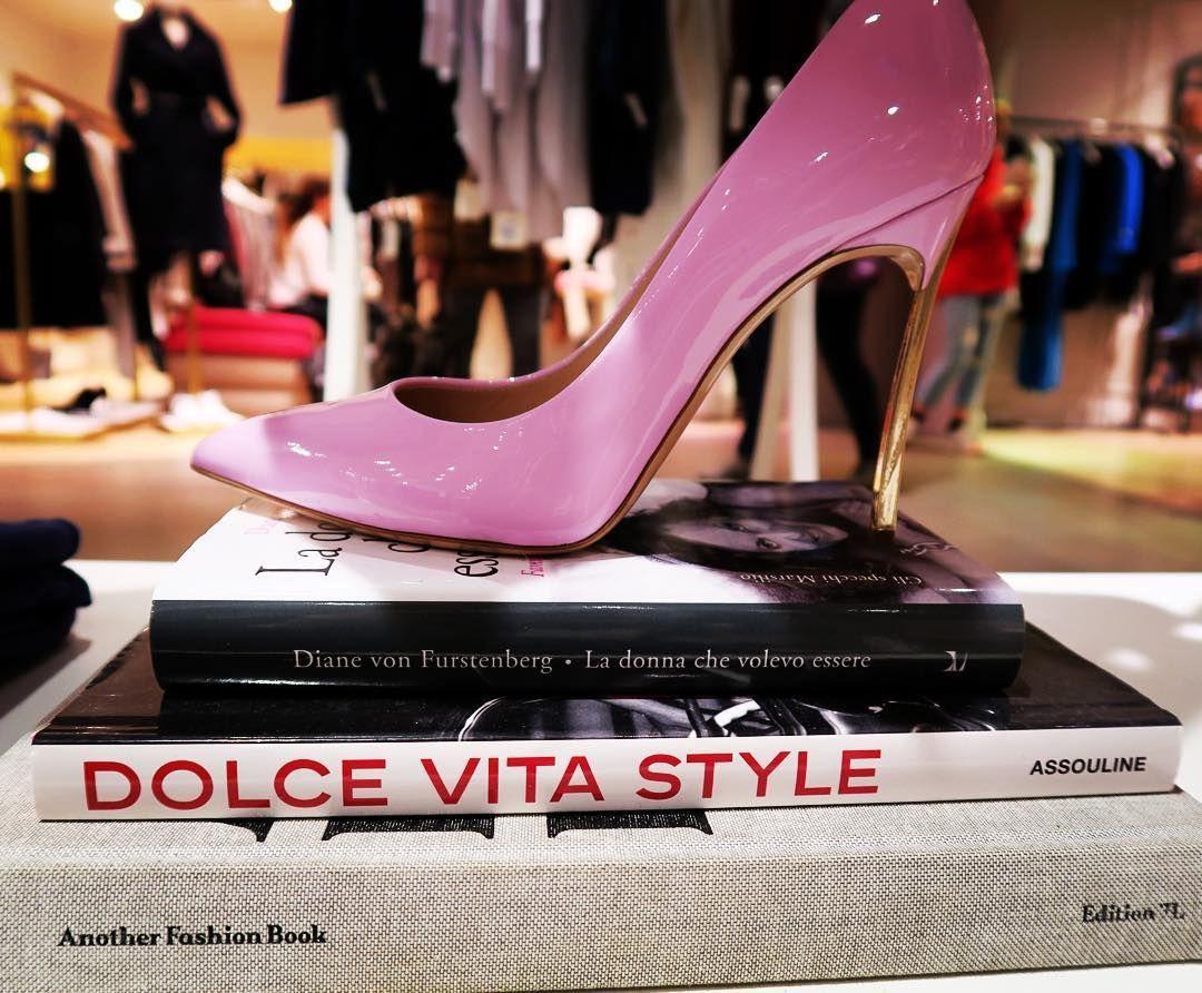 CASADEI shoes in La Rinascente in Milan @casadeiofficial #casadei #larinascente #casadeishoes
