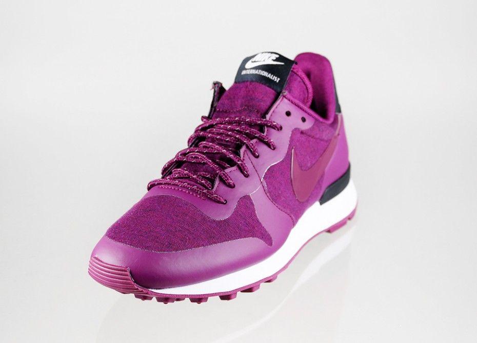 Nike Wmns Internationalist TP (Mulberry / Mulberry - Black - White)