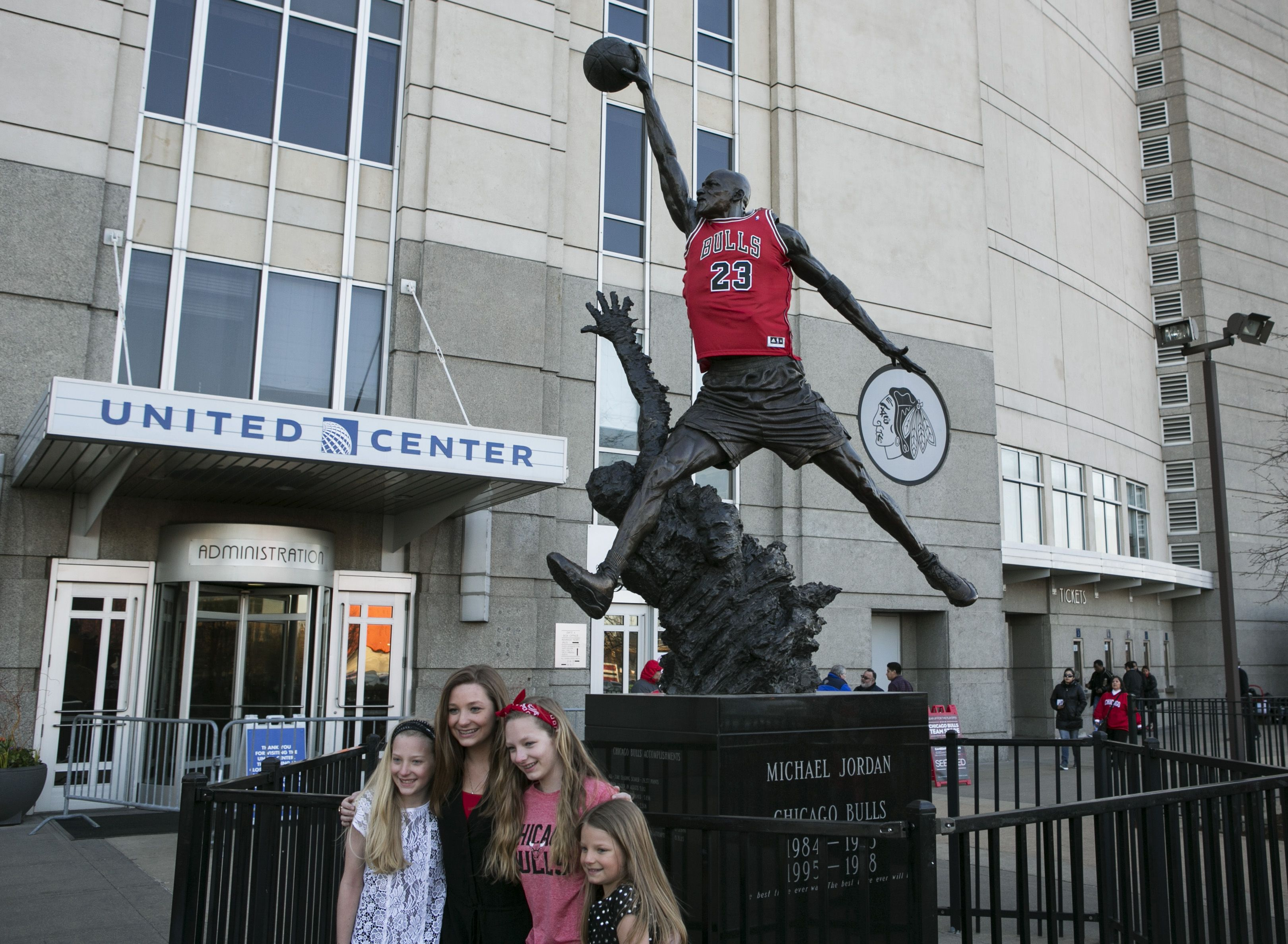Estatua do Michael Air Jordan no United Center estadio do Chicago Bulls