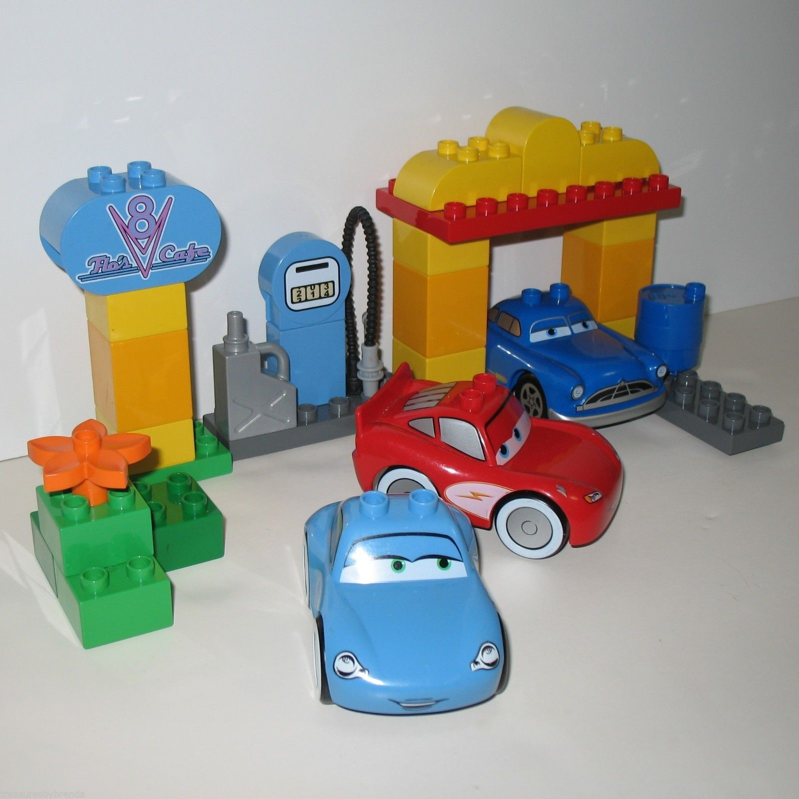 Lego Radiator rare lego duplo set, flo's v-8 cafe, has three cars from disney's