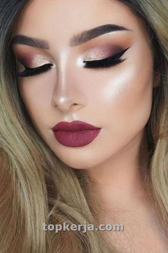 Photo of Stylish Rose Gold Makeup Ideas For Women To Try Now – Topkerja.com