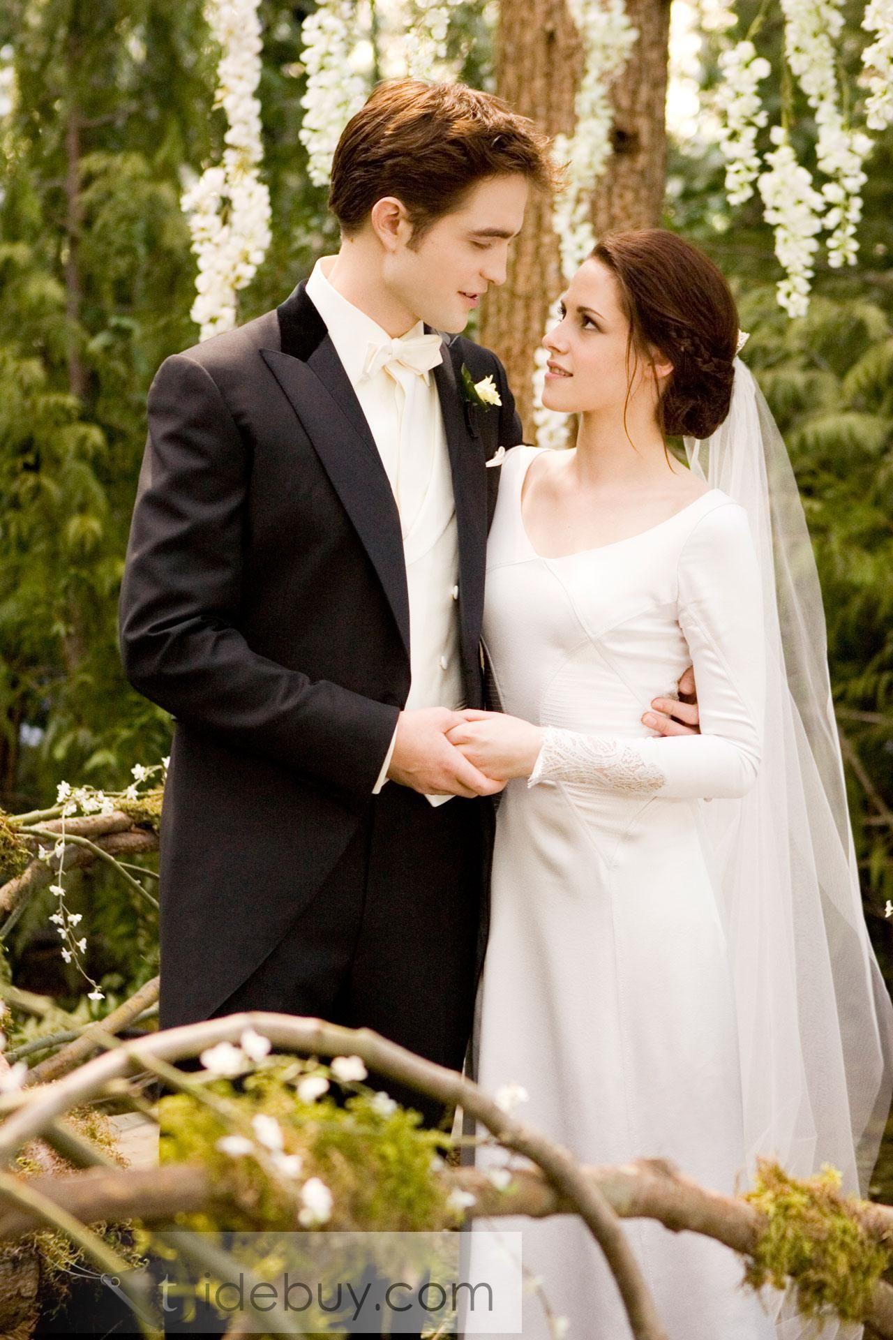 Bella's wedding dress in breaking dawn  Gorgeous SheathColumn Vneck LongSleeve Wedding Dresses Inspired