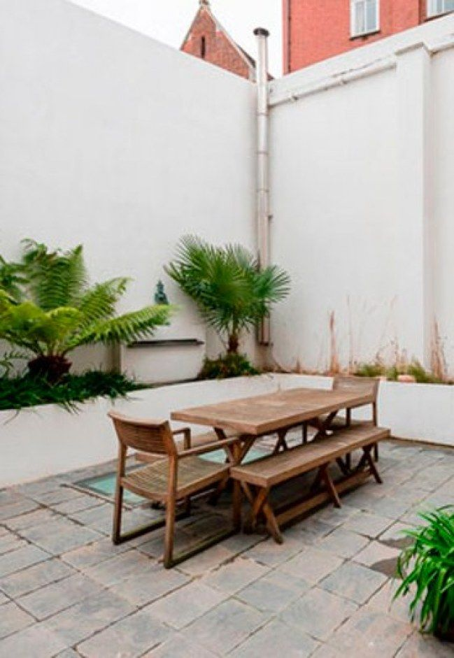 13 ideas para darle vida a tu patio interior casa for Adornos de patio