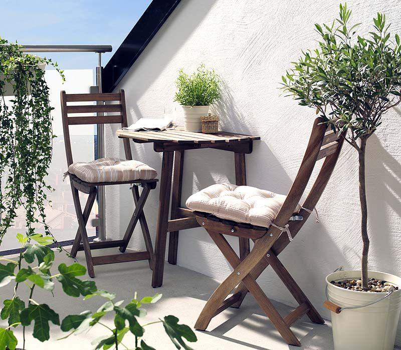 Comment Amenager L Espace A Vivre D Un Petit Jardin Nos Astuces Avec Images Mobilier De Balcon Table De Balcon Decoration Balcon D Appartement