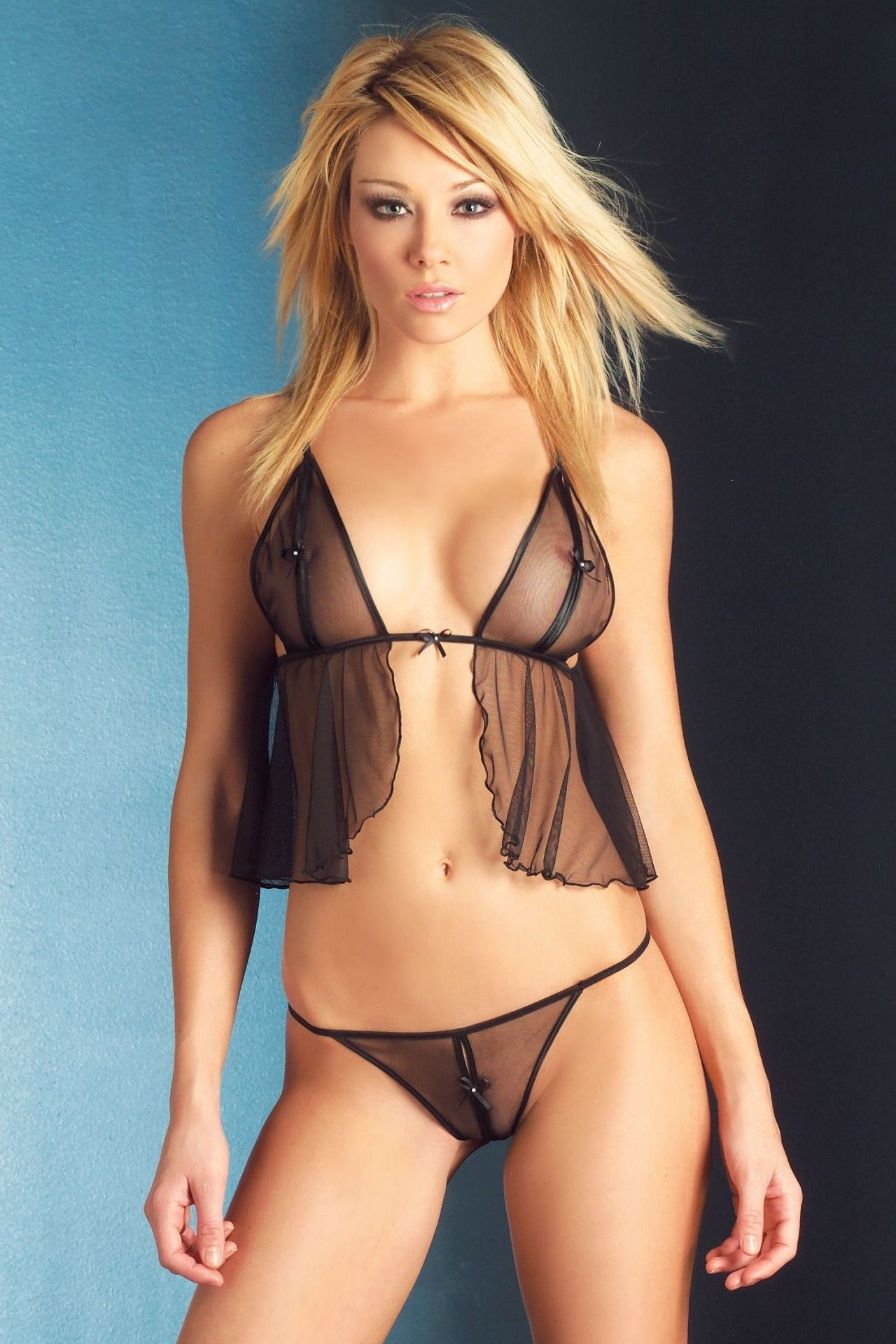 lingerie Lisa gleave