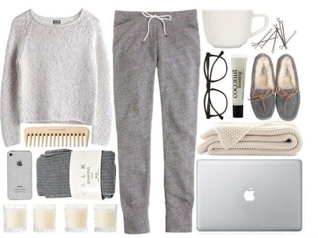 Talk about a cozy weekend outfit. Perfect combo of warmth and comfort! #HelloSaturday I'll be in my #Muskoka chair.