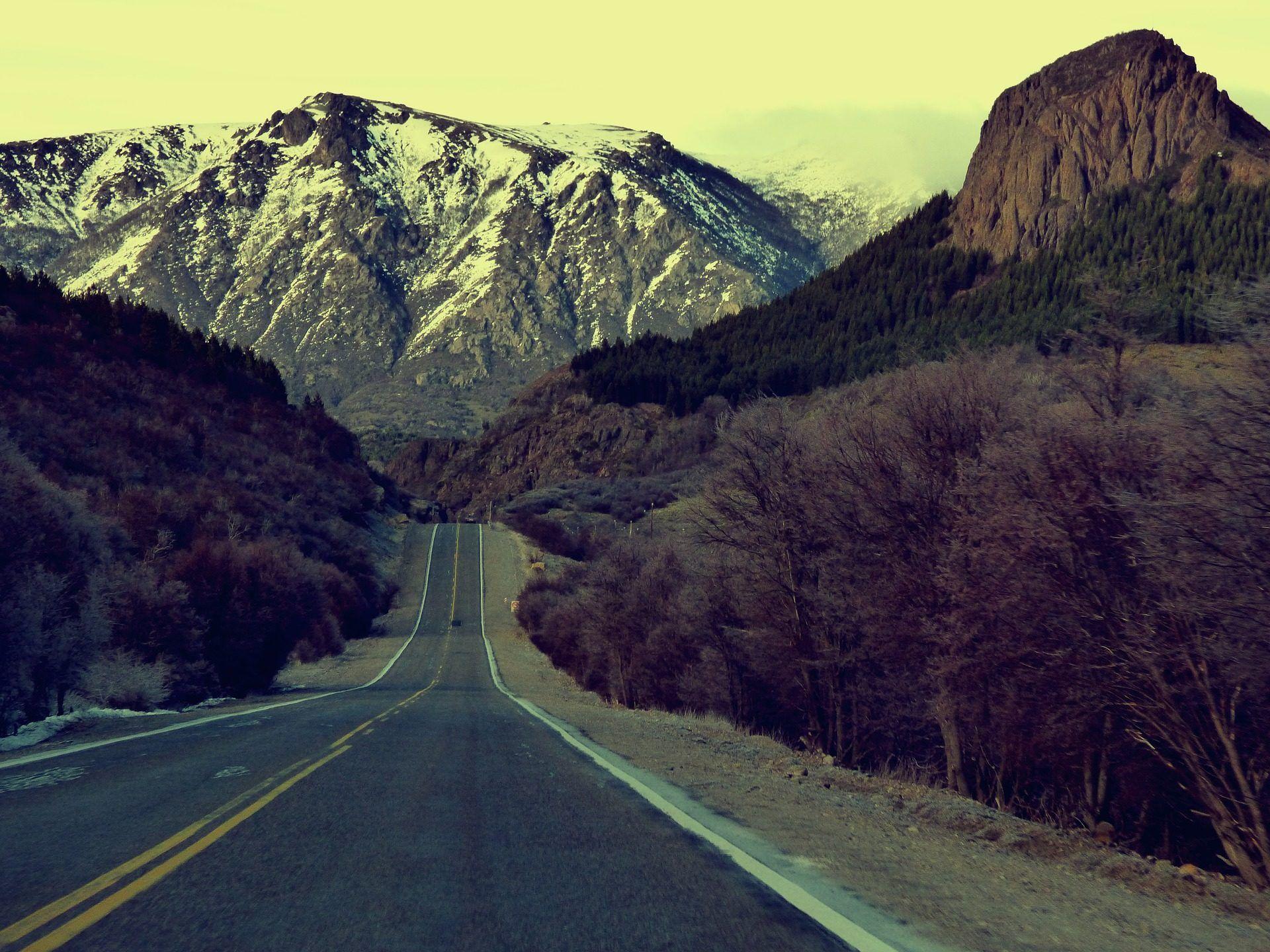 Montaña Nevada Hd: Carretera, Solitaria, Montaña, Nieve, Bosque, Otoño