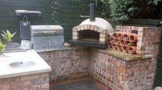 Wood Fired Pizza Ovens Clay Brick Pizza Ovens For Sale Uk In 2020 Pizza Oven Outdoor Pizza Oven Pizza Oven Outdoor Kitchen