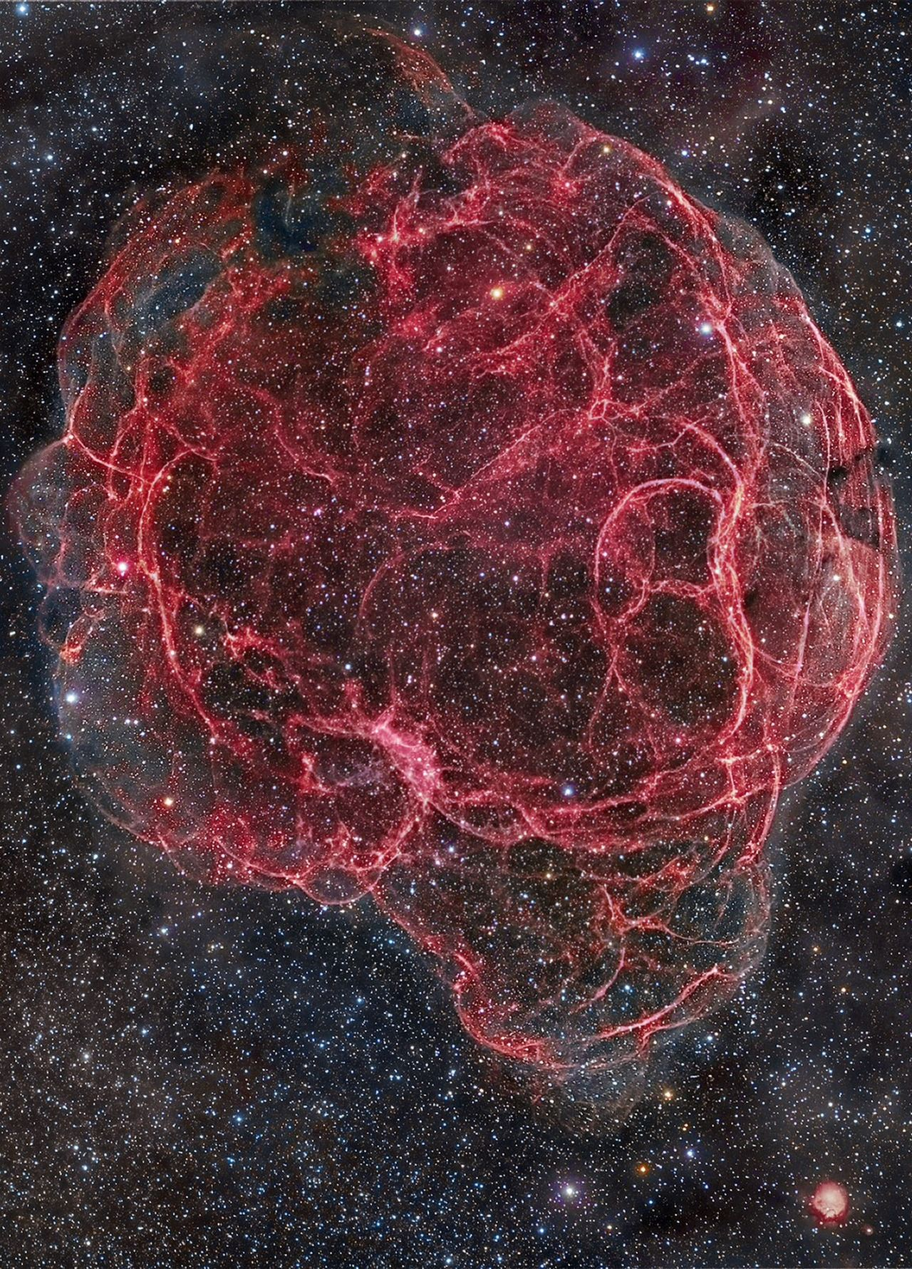 Simeis 147 (Spaghetti Nebula) is a large SN remnant in the constellations of Taurus & Auriga. It is the result of a SN explosion about 40,000 yrs ago. It is 3000 ly away & about 140 ly across
