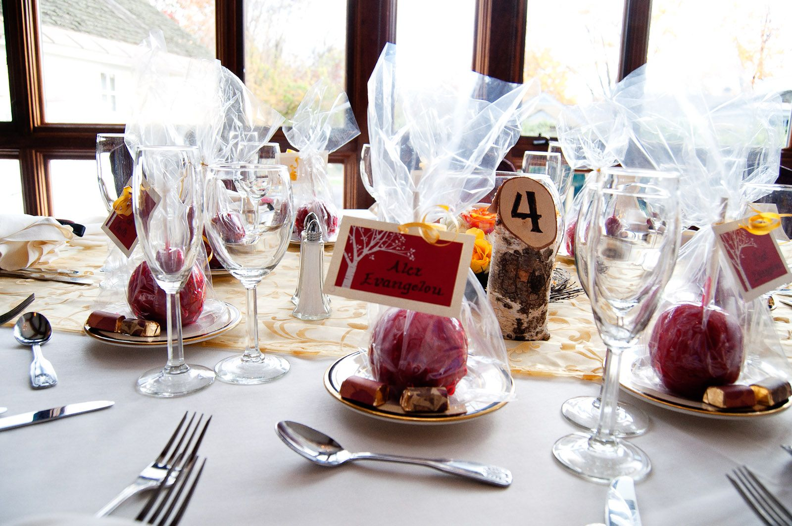 Candy apples as wedding favors My Wedding Pinterest Candy