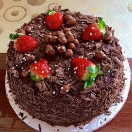 Download Hd Square Chocolate Cake With Strawberries Strawberry