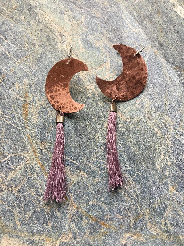 Hammered copper crescent moon earrings, tassel copper moon earrings, crescent moon earrings with tassel, tassel snd moon earrings by weavingwinds on Etsy https://www.etsy.com/listing/523032703/hammered-copper-crescent-moon-earrings