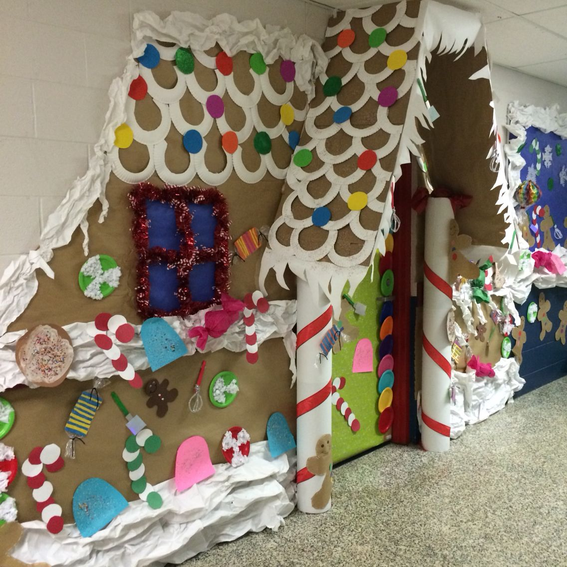 Gingerbread door decorating contest bulletin boards for 3d snowman door decoration