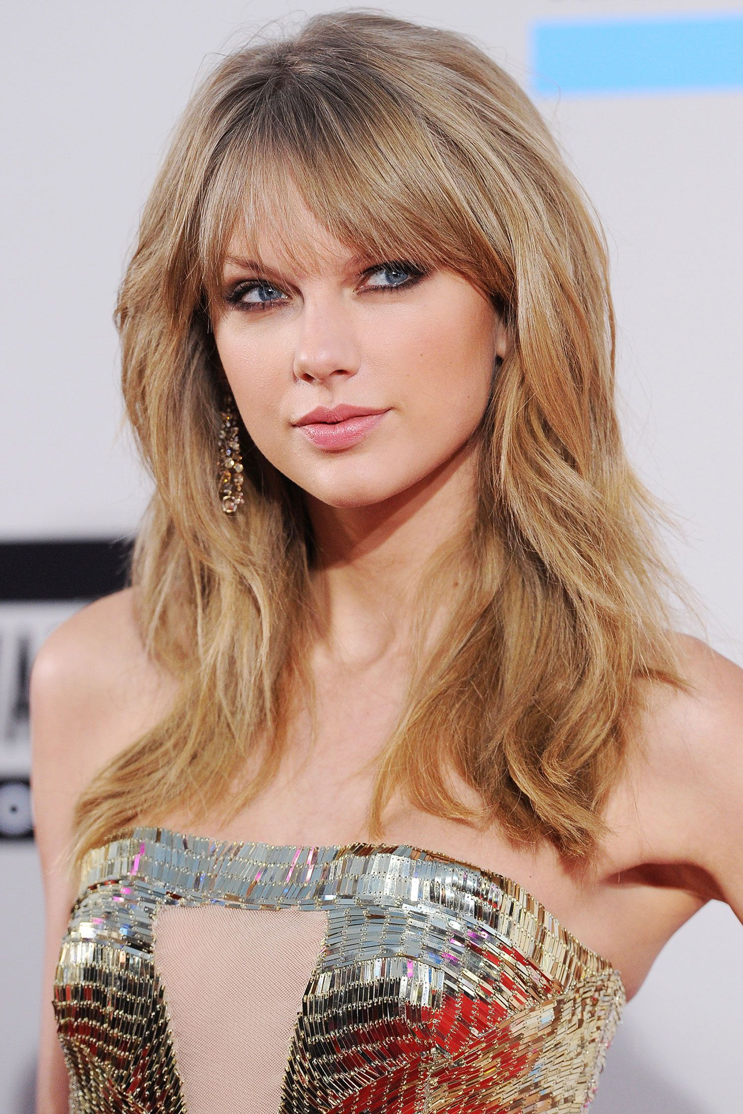 Taylor Swifts Amazing Beauty Transformation Through The