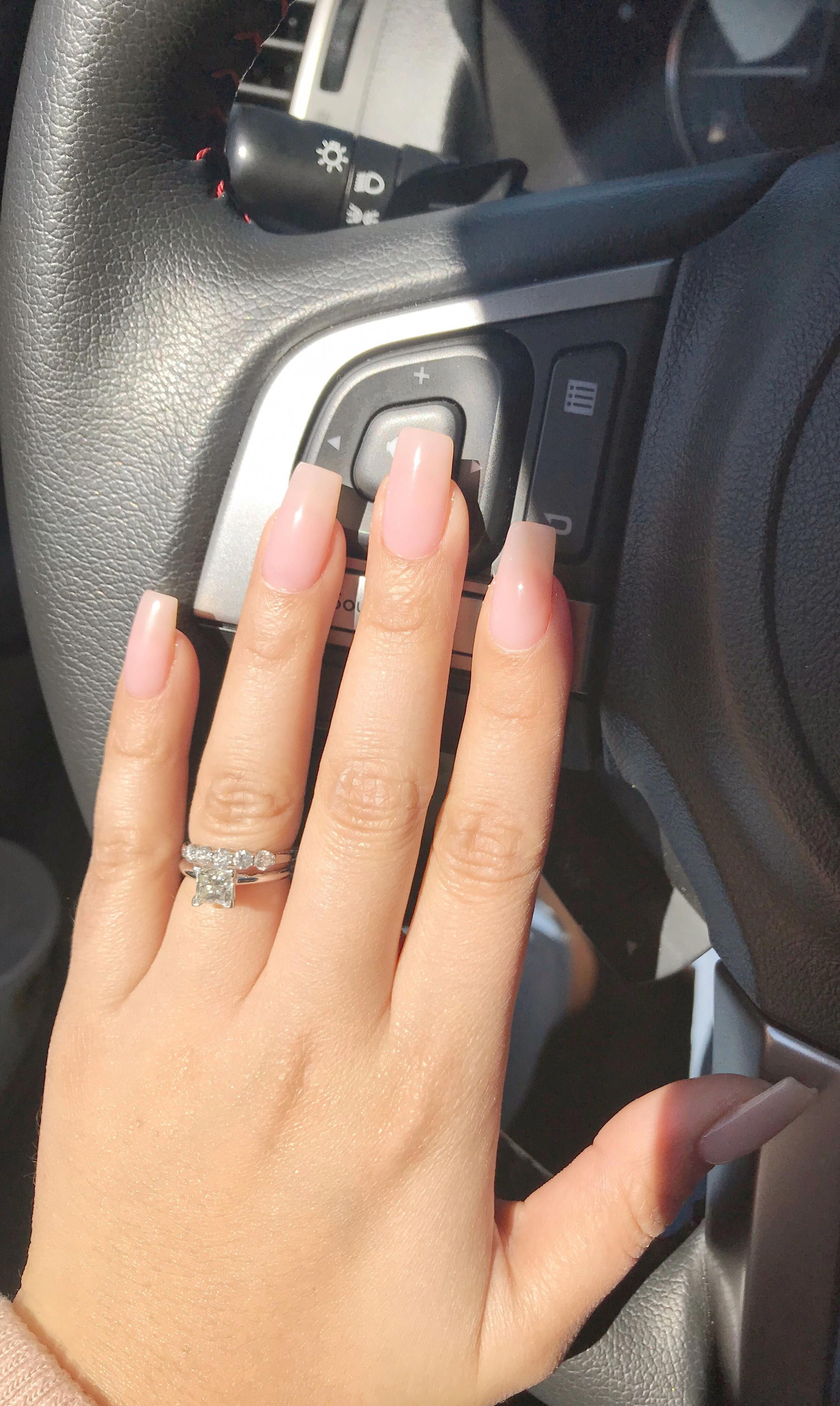 Short Acrylic Nails That Are Fabulous Shortacrylicnails Neutral Nails Acrylic Neutral Nails Dipped Nails