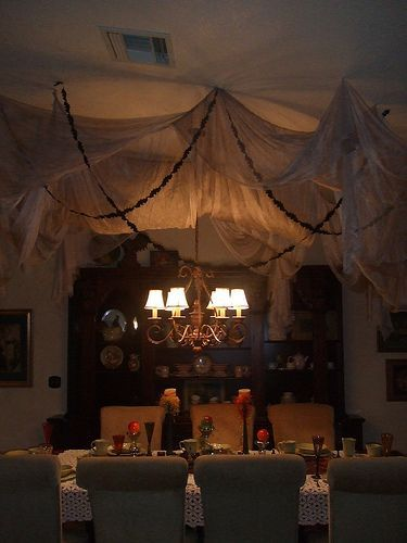 Indoor halloween decorations