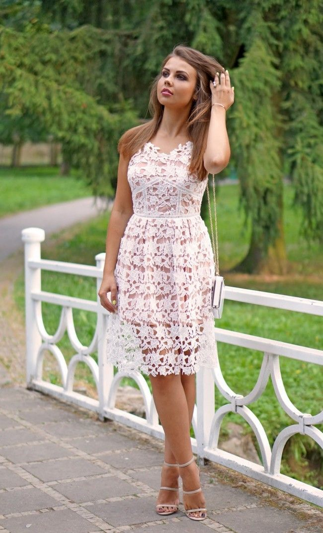 White lace dresses outfits