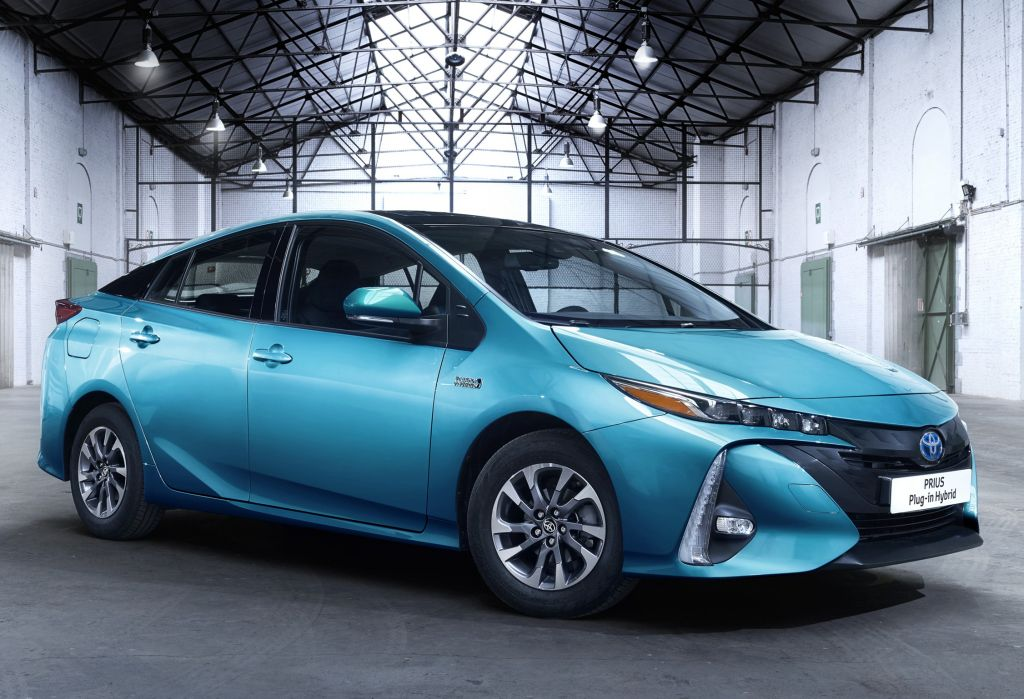 Toyota Prius Plug In Hybrid 2017 100 Km Electric Cars