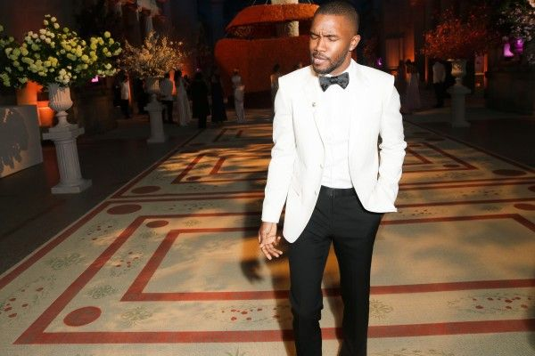 How To Cope While You Wait For Frank Ocean's New Album - http://www.popularaz.com/how-to-cope-while-you-wait-for-frank-oceans-new-album/