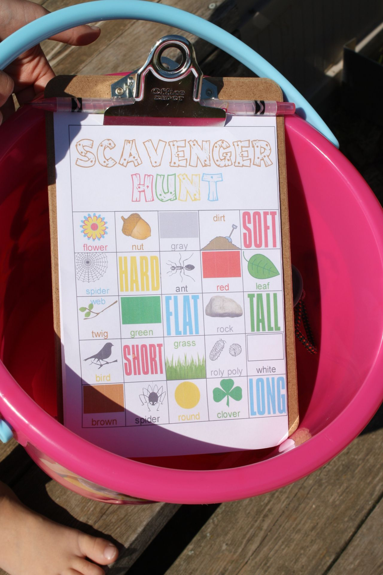 The Sound of the Wind + Free Scavenger Hunt Printable