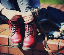 Inspiring picture awesome, boots, braclets, fashion, hands. Resolution: 400x266 px. Find the picture to your taste!