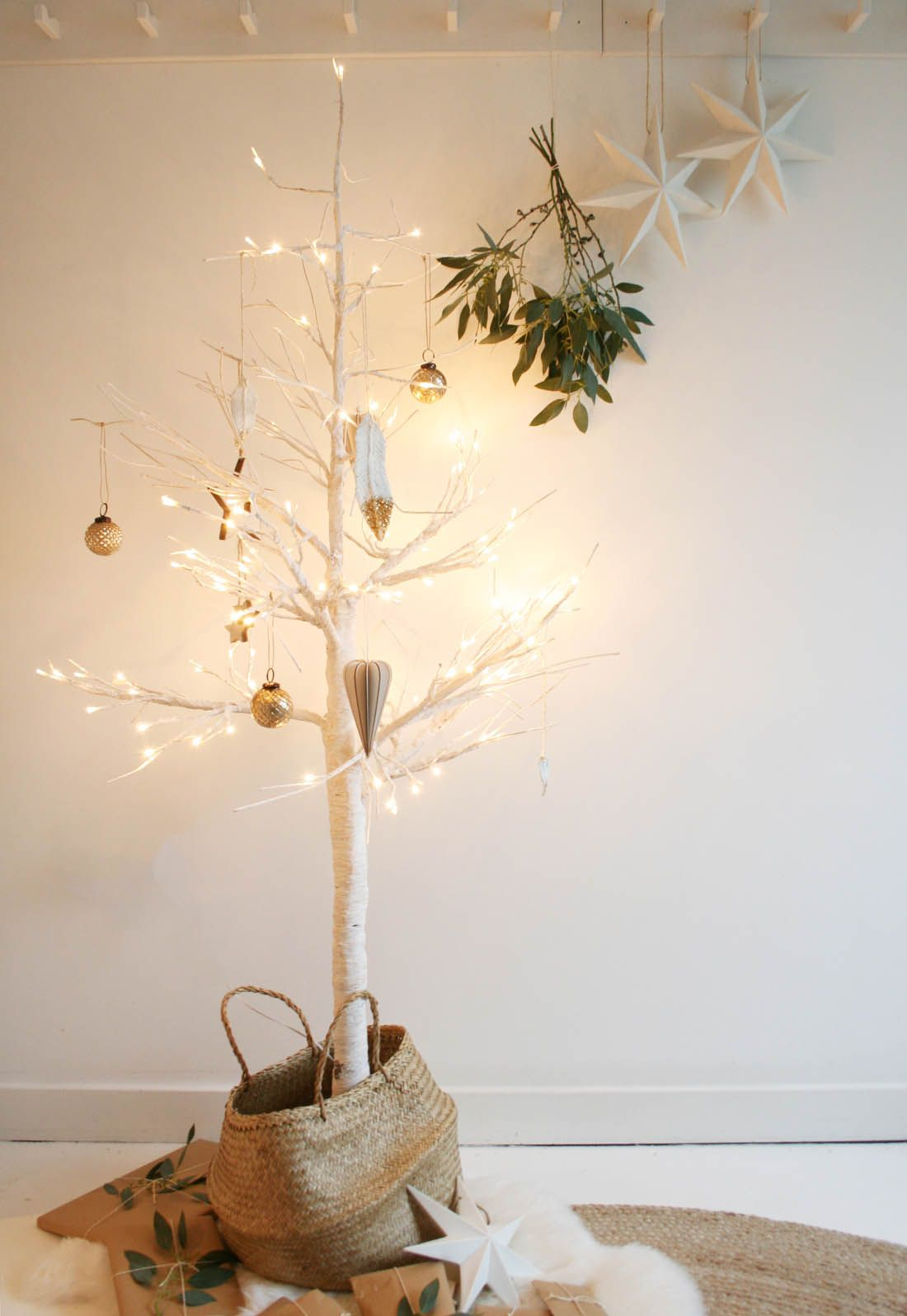 LED Christmas tree from Houseology | Apartment Apothecary
