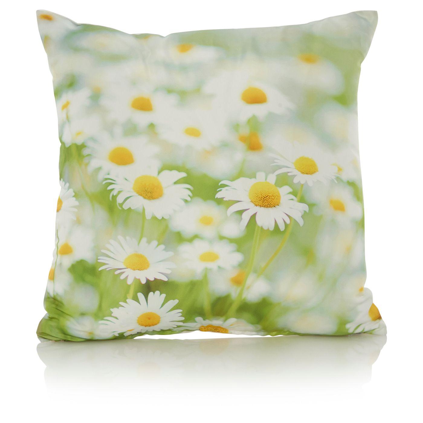 George Home Daisy Cushion Cushions & Throws