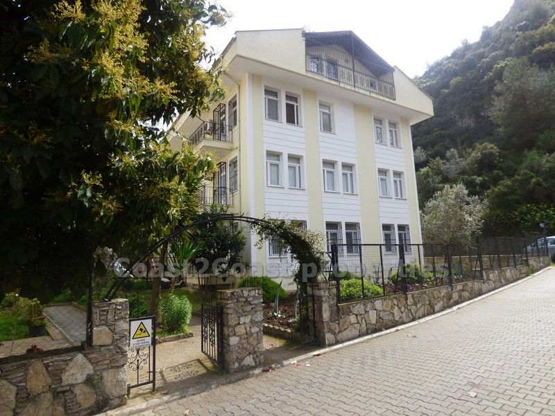 This Large top floor Duplex apartment is situated in a