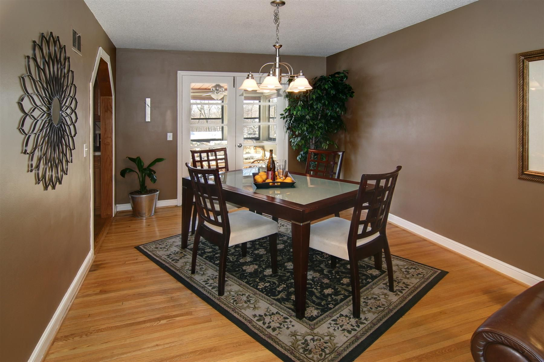 pier 1 living room rugs%0A    Rugs That Showcase Their Power Under the Dining Table