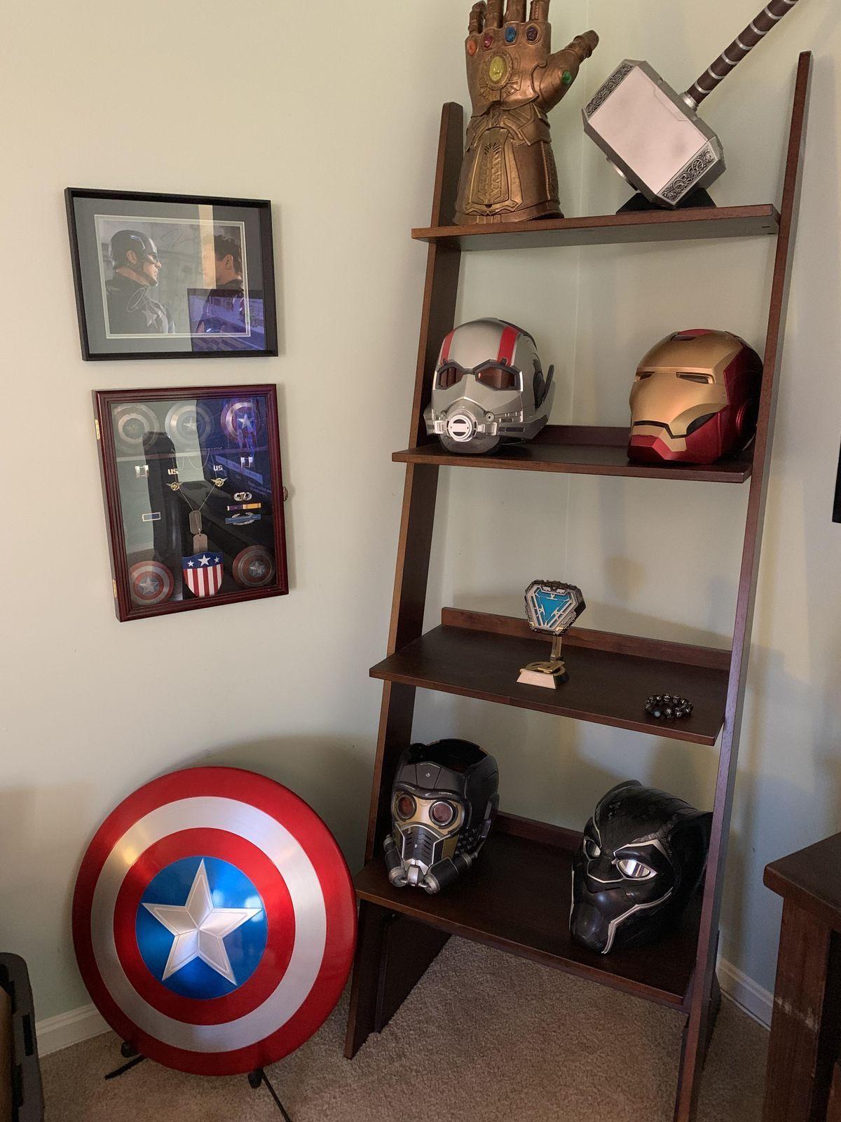 Pin By Joker On Game Rooms Gym Marvel Room Avengers Room Marvel Decor