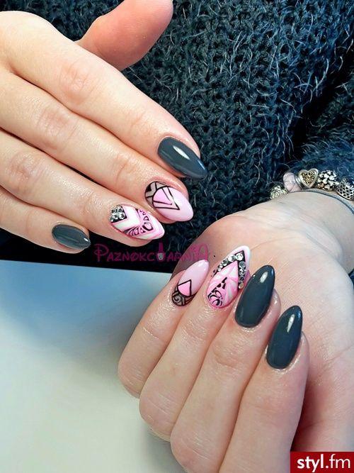 Paznokcie Migdałki Malinowe Szukaj W Google Manicure Nails