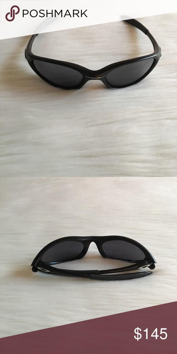 27976615ef Oakley Minute 1.0 Sunglasses Oakley Minute 1.0 Vintage Sunglasses. Minimal  To No Wear. Amazing