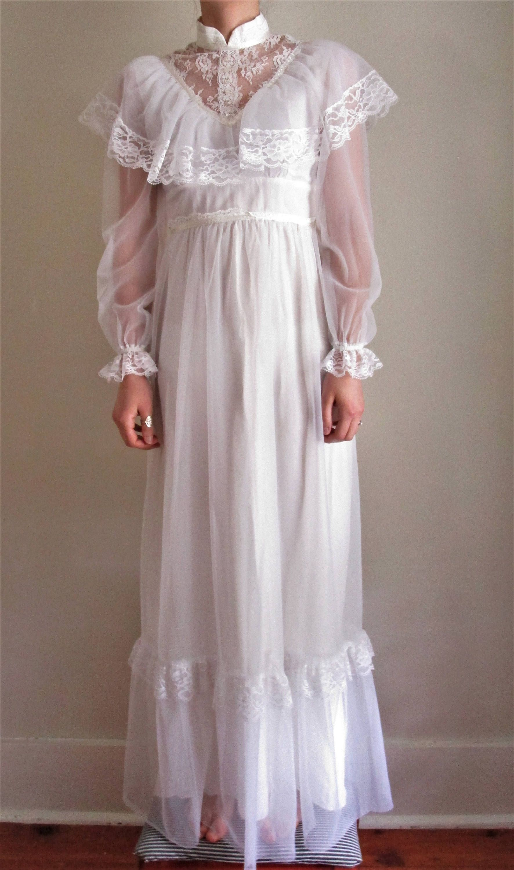 70s Wedding Dress Vintage Wedding Dress Sheer High Neck Lace Long Sleeve Floor Length Bridal Gown Prairie Gothic Wedding Dress Moda Estilo Moda Estilo [ 3000 x 1772 Pixel ]
