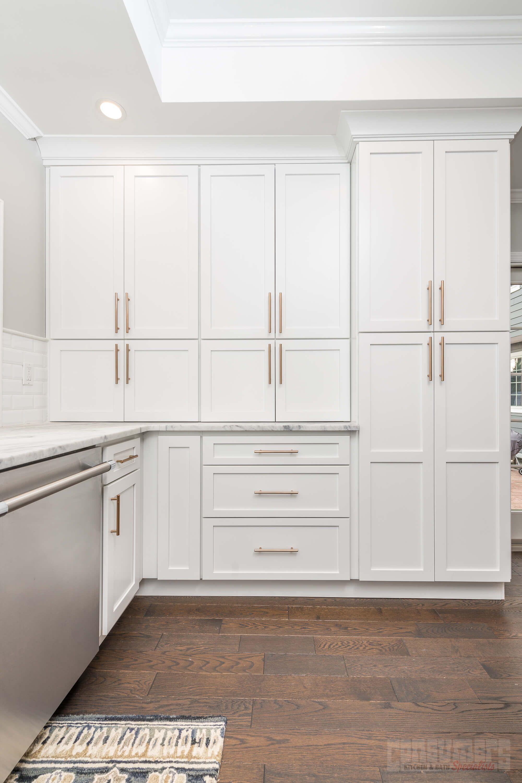 Fabuwood Gray Shaker Cabinetry Fabuwood Cabinets Kitchen And Bath Design Kitchen Design