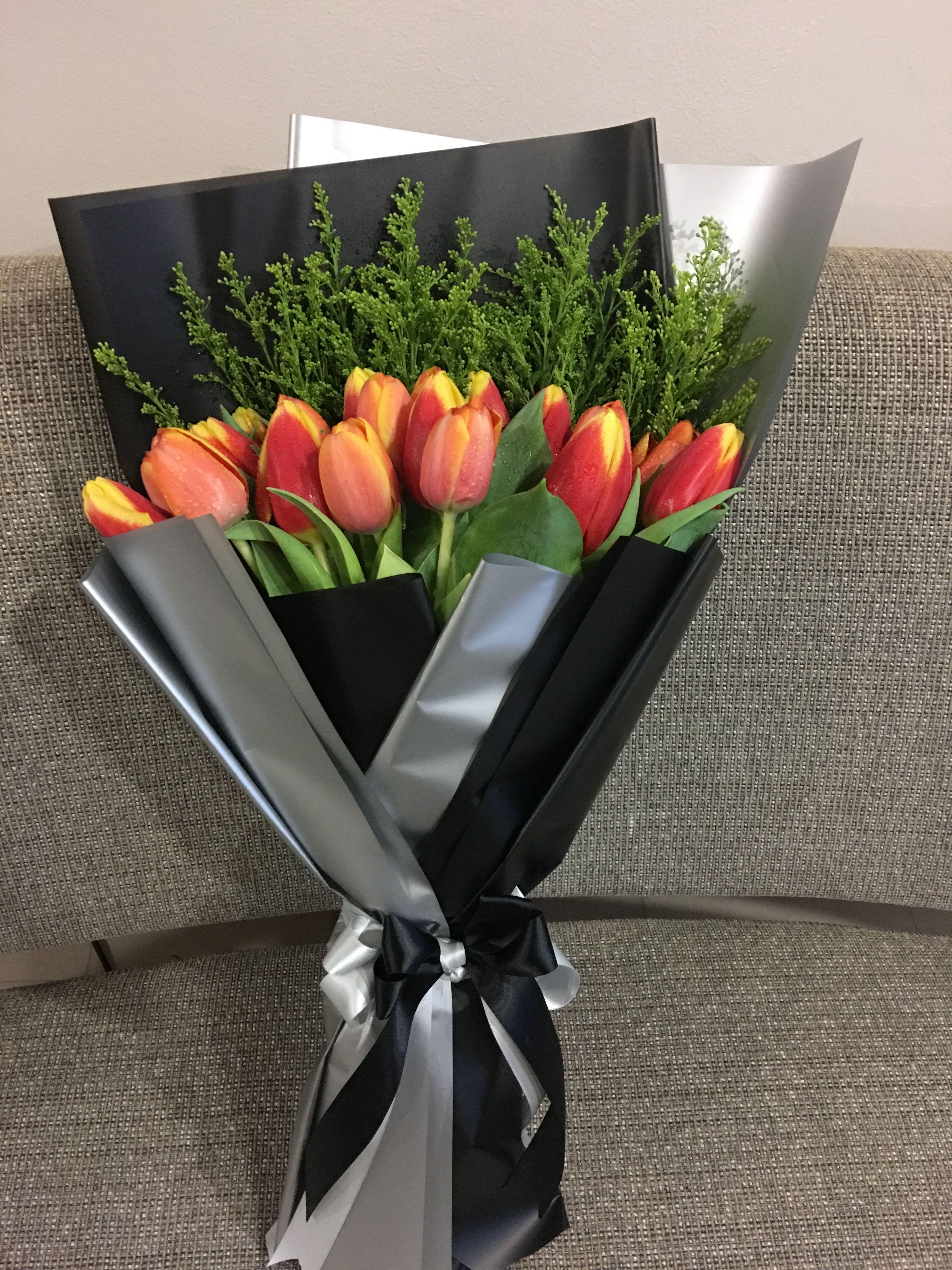 Tulips Hanbouquet Flowers Bouquet Flower Delivery Online Florist