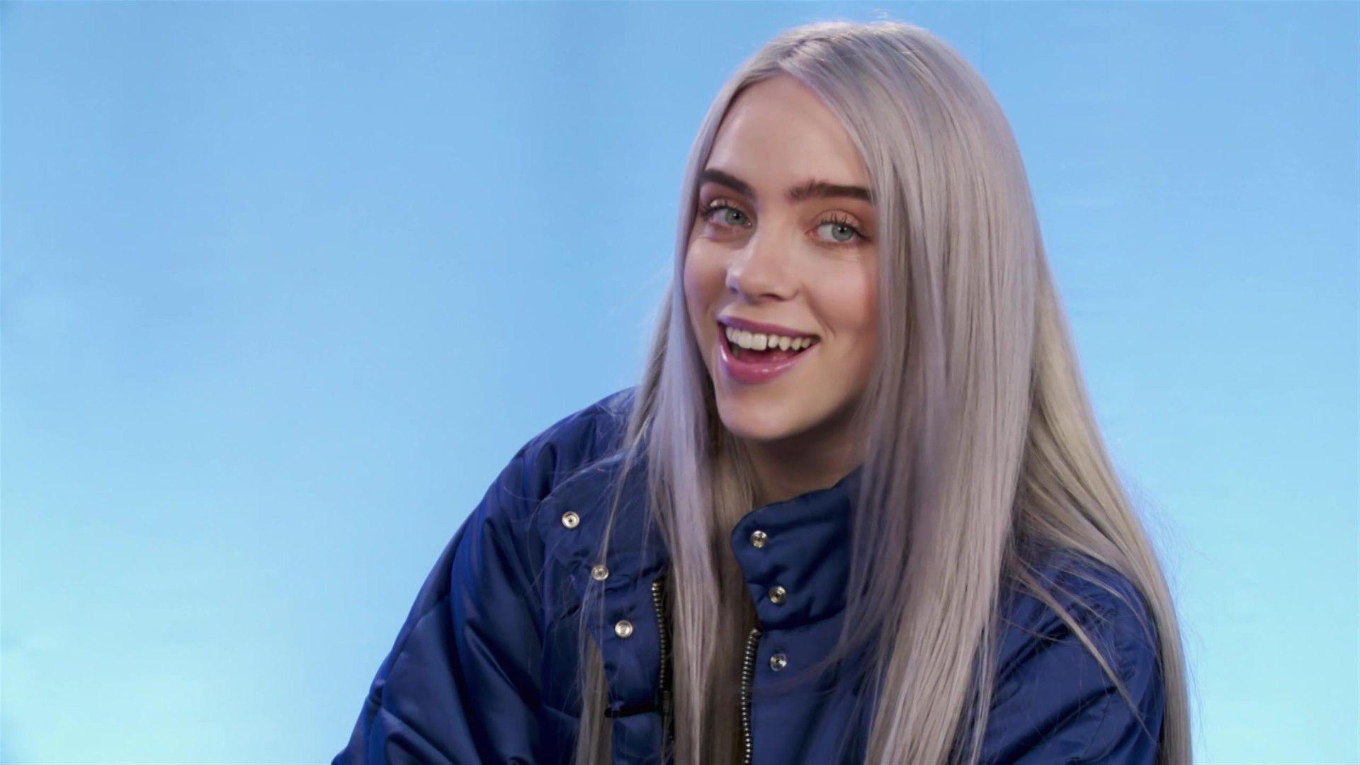 Pictures Of Billie Eilish Smiling Unique Billie Eilish Talks Don T Smile At Me Ep Hopes To Wo Billie Eilish Billie Blue Hair