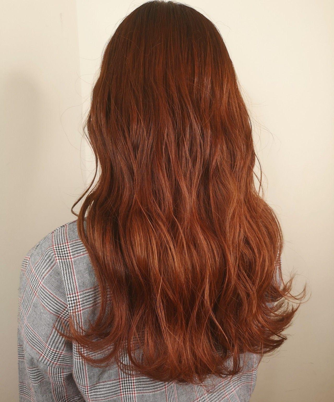 オレンジベージュ 髪色 オレンジ ロングヘア ヘアスタイリング