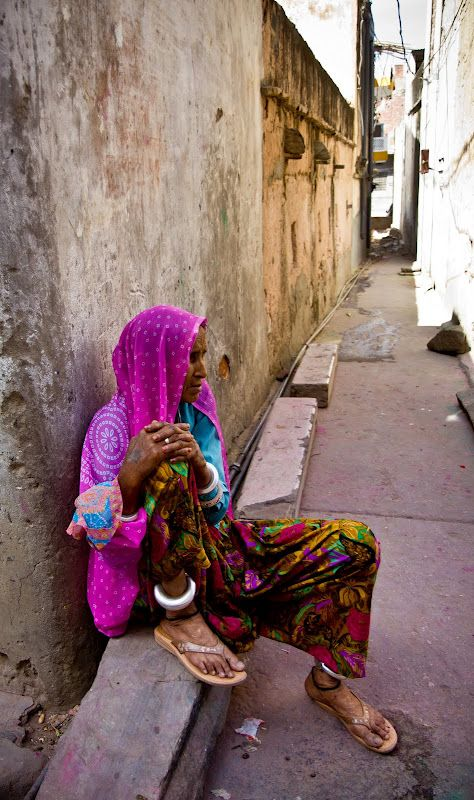 Indian lady in Jaipur.