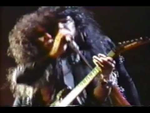 Cinderella - Push Push - Live Tokyo 1987 #Cinderella Cindy performing Push Push from Night Songs in 1987.