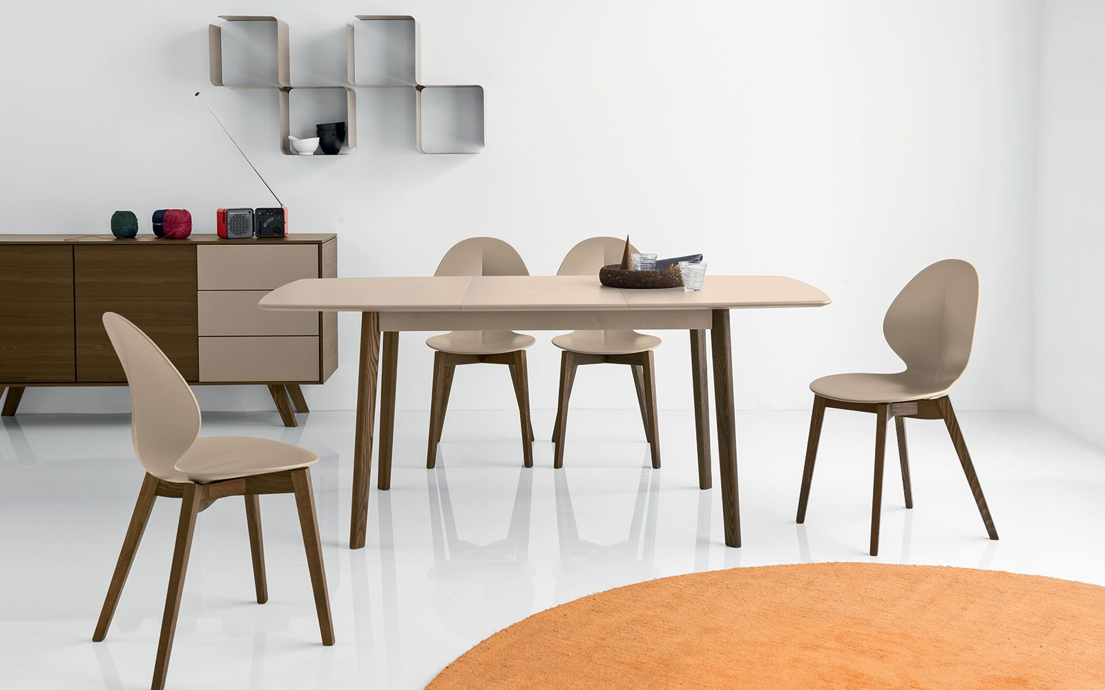 Tavolo Allungabile Quadrato Cream Table Calligaris